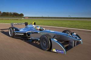 再次观战Formula E 看电动赛车的那群狼