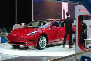 2018北京车展探馆:特斯拉MODEL 3亮相