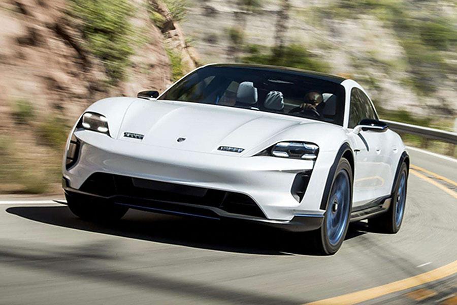 保时捷计划年产4万辆全电动Taycan汽车